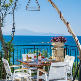 Tavolo esterno, Erietta Luxury appartamenti Zante